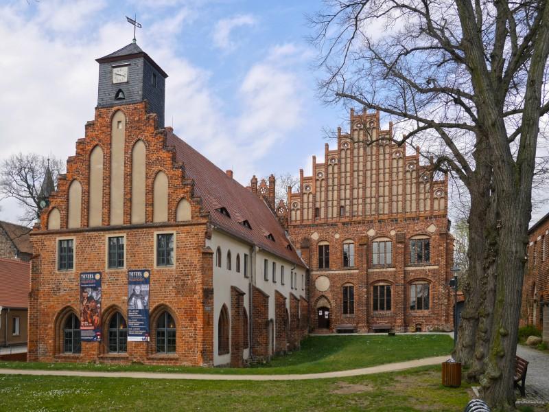 Bild 2 Klosterdestillerie Kloster Zinna